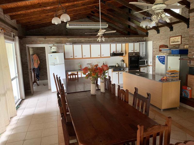 Foto Casa en Venta | Alquiler en  Centro,  Funes  Sarmiento al 600