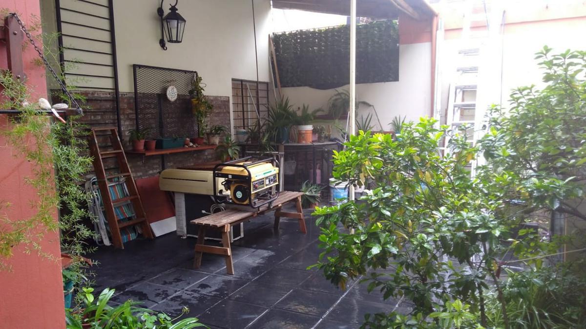 Foto Departamento en Venta en  Pichincha,  Rosario  Ovidio Lagos 88 Bis - 3º