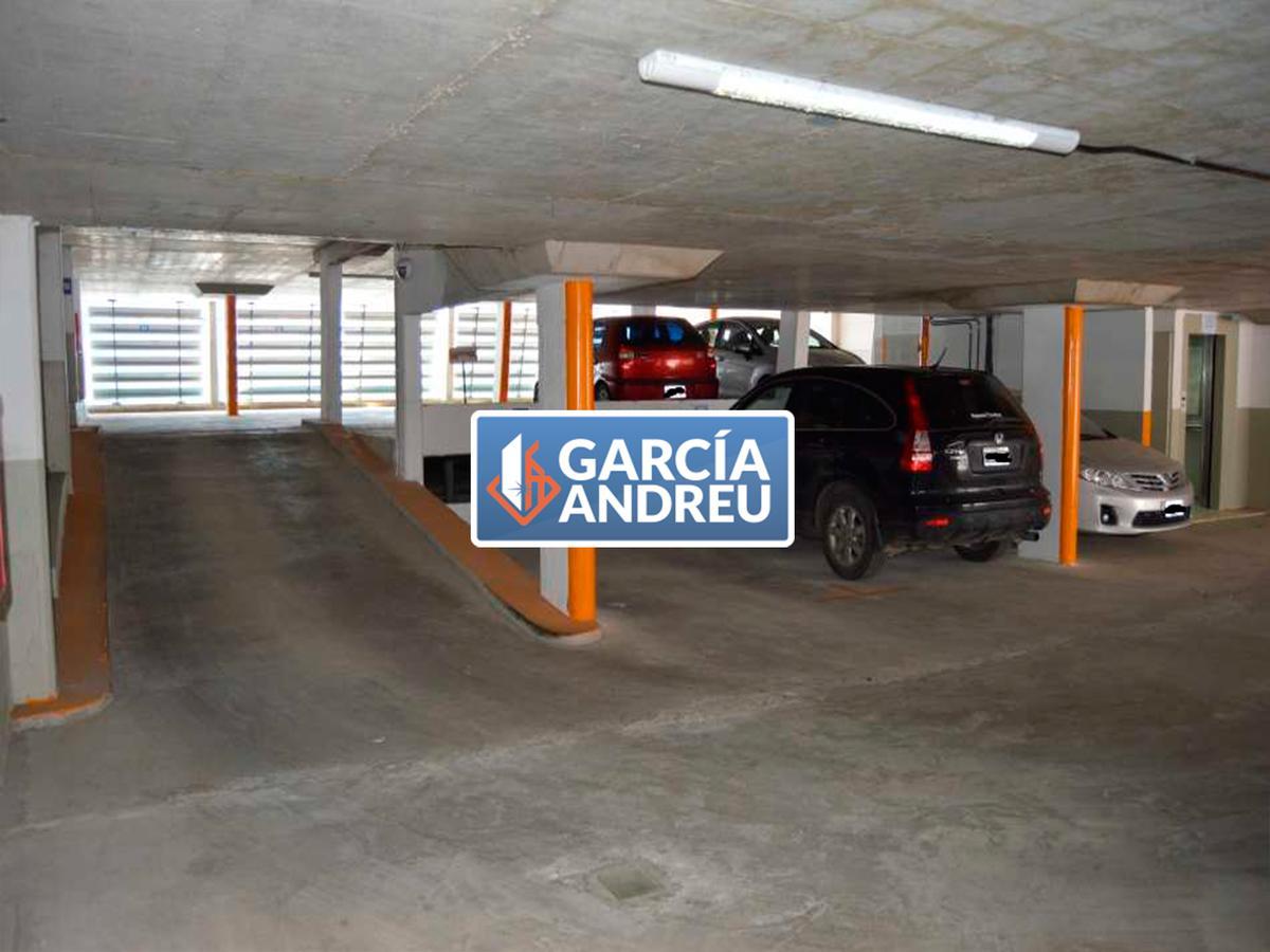 Foto Cochera en Venta en  Centro Norte,  Rosario  Dorrego al 100