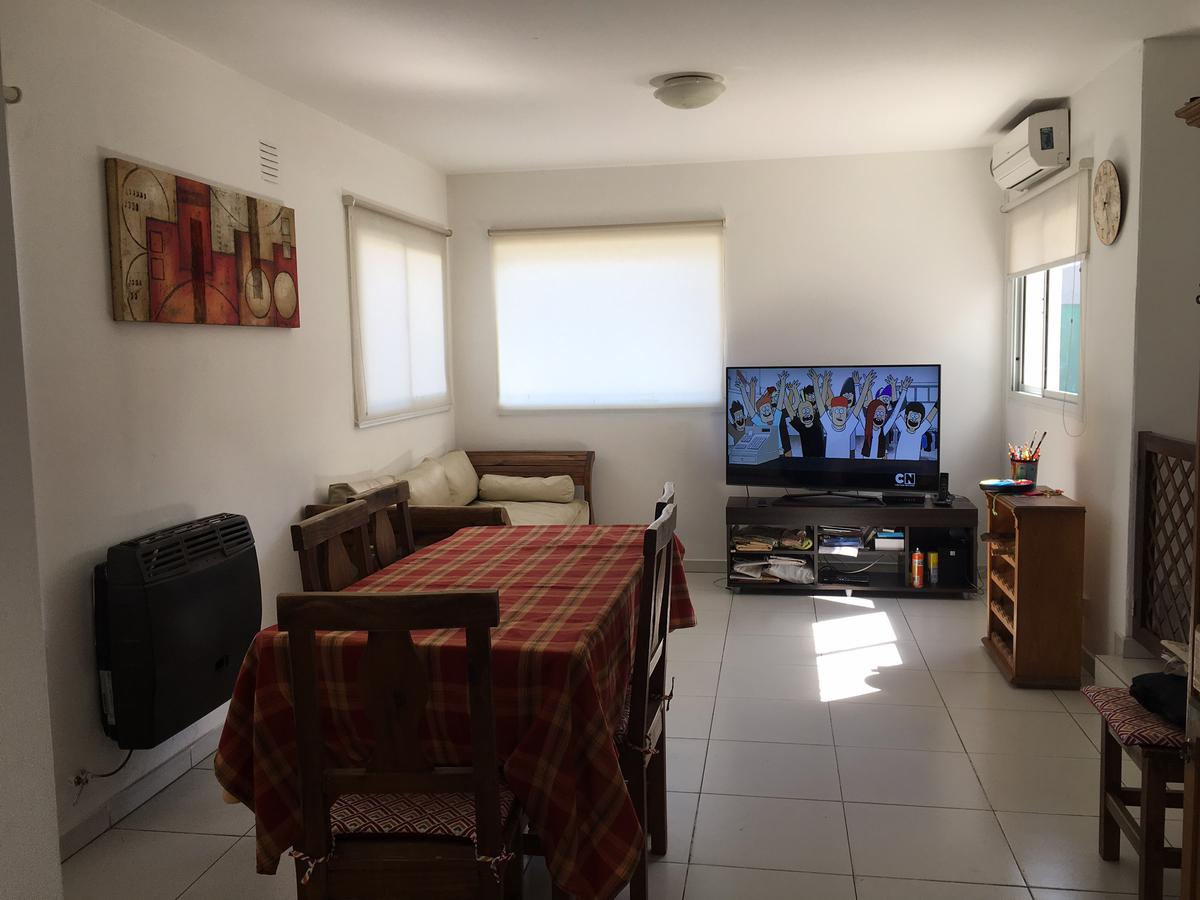 Foto Casa en Venta en  Cordoba Capital ,  Cordoba  Jorge luis Borges 489, La Calera, La Estanzuela