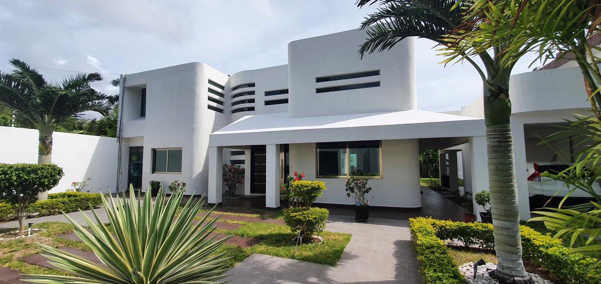 Foto Casa en Venta en  Chetumal ,  Quintana Roo  CASA EN VENTA EN CHETUMAL RESIDENCIAL FLAMBOYANES
