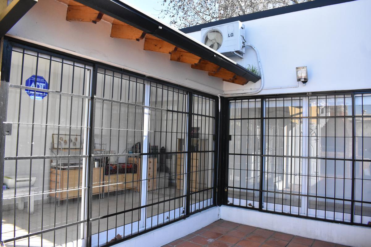 Foto Casa en Venta en  Floresta ,  Capital Federal  Dr. Luis Belaustegui al 4600