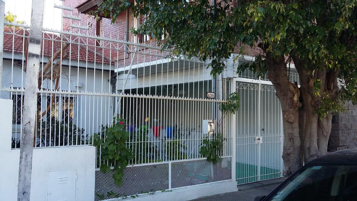 Foto Casa en Venta en  Avellaneda ,  G.B.A. Zona Sur  Zeballos 1283