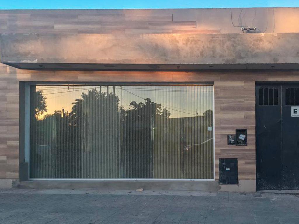 Foto Local en Alquiler en  La Plata ,  G.B.A. Zona Sur  122 y 48