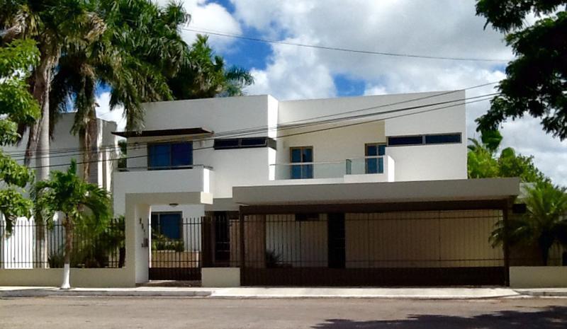 Foto Casa en Venta en  Fraccionamiento Montecristo,  Mérida  Residencia de lujo en Montecristo al norte de Mérida, Yuc., Méx.