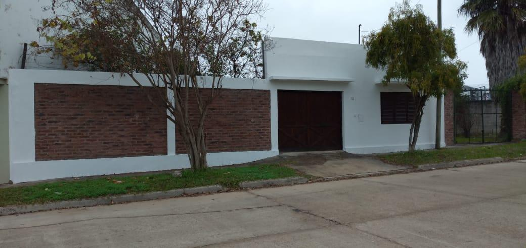 Foto Casa en Venta en  Concordia,  Concordia  Pasaje de Los Estudiantes 84