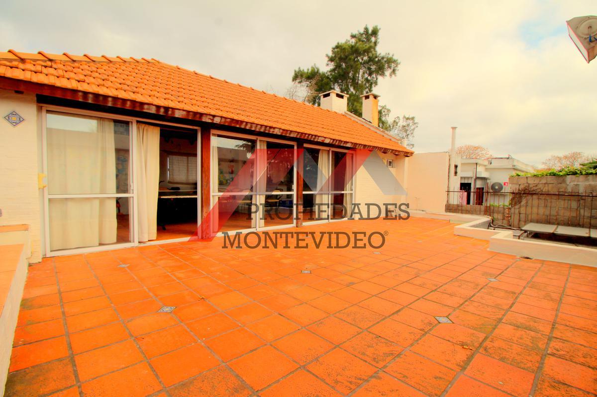 Foto Casa en Venta en  Buceo ,  Montevideo  Buceo -