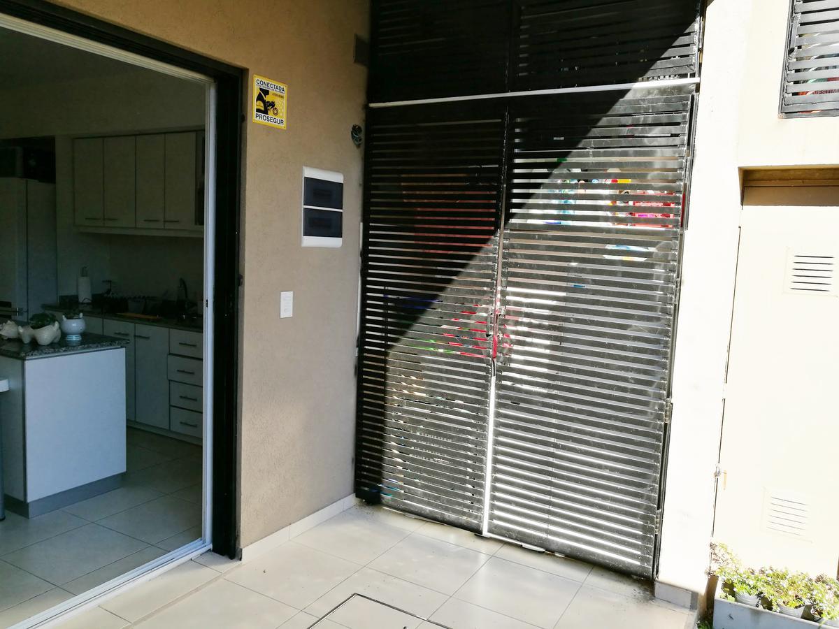 Foto Casa en Venta en  Olivos,  Vicente Lopez  Venta Duplex 4 ambientes - debenedetti al 2100- olivos