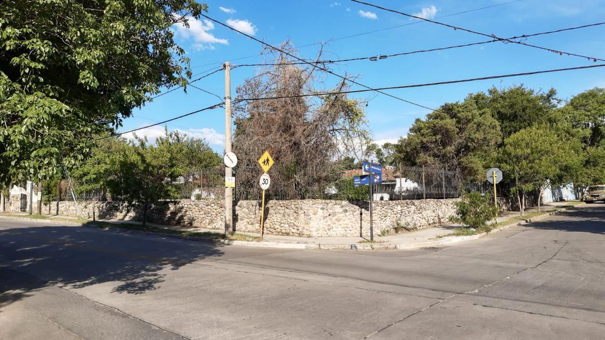 Foto Casa en Venta en  Cerro De Las Rosas,  Cordoba Capital  Mariano Larra 4200