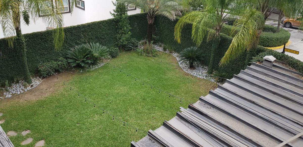 Foto Casa en Venta en  Lomas del Hipico 1 Sector,  Monterrey  Casa en Venta en Lomas del Hipico.Zona Carretera Nacional (RB)