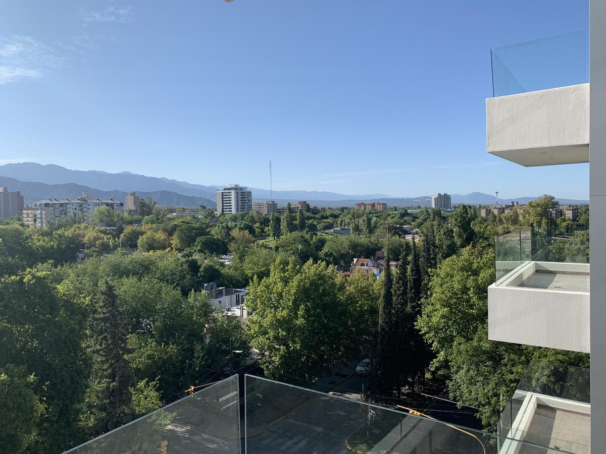 Foto Departamento en Venta en  Capital ,  Mendoza  Delfina - 4to 3