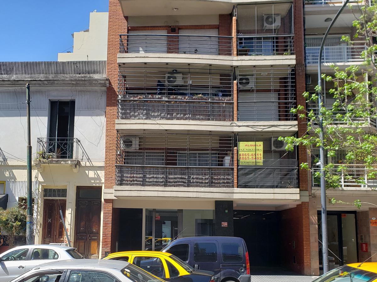 Foto Departamento en Alquiler en  Almagro ,  Capital Federal  Yatay 485 1°B