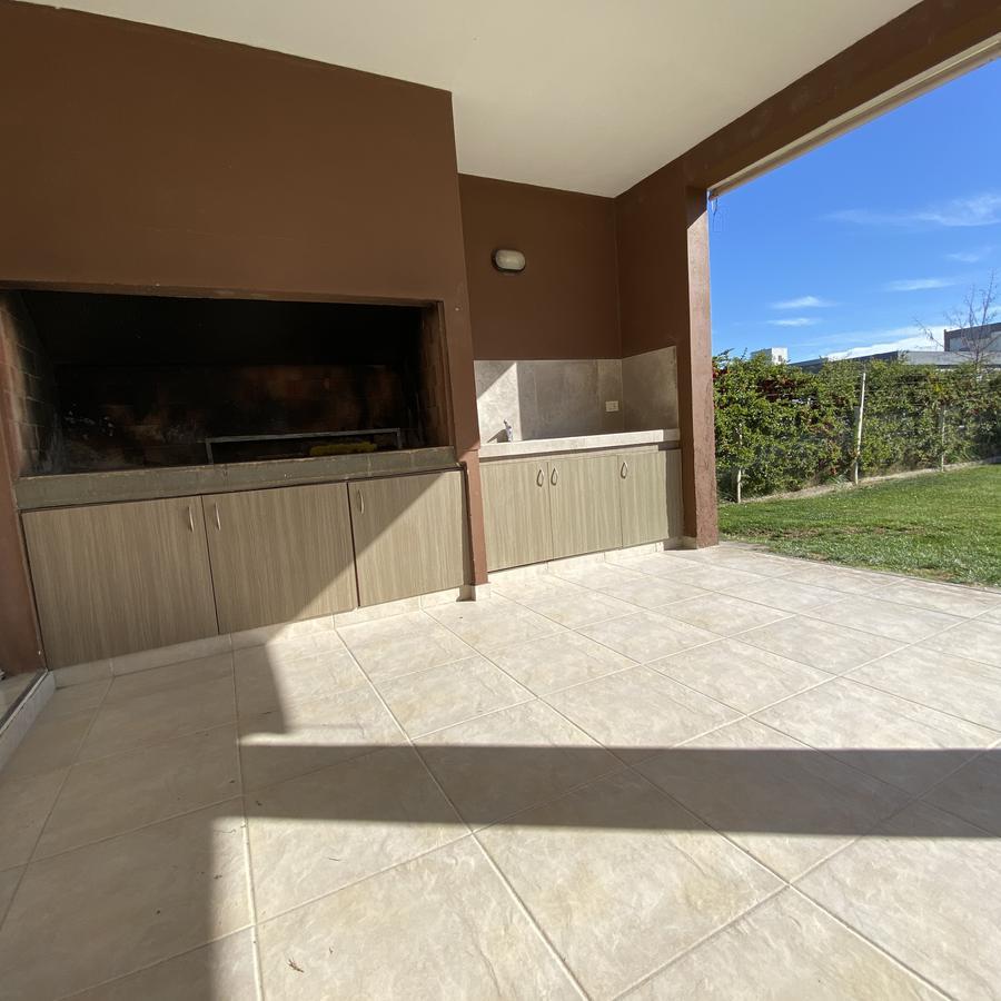 Foto Casa en Venta en  Capital ,  Neuquen  CASA PUEBLO DEL SOL