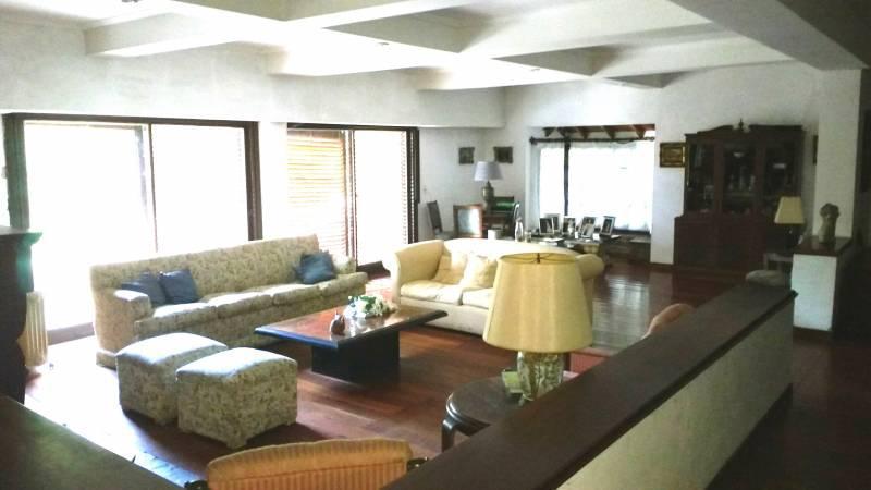 Foto Casa en Venta en  Acassuso,  San Isidro  Lopez y Planes al 1300