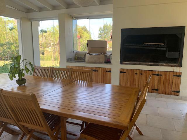 Foto Casa en Alquiler temporario en  Los Castores,  Nordelta  CASA AL AGUA totalmente amueblada. NORDELTA Alquiler Temporario.