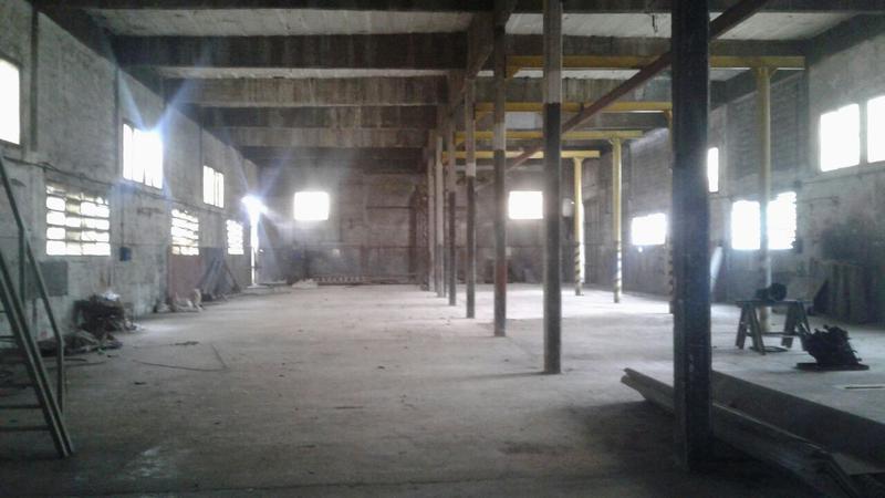 Foto Local en Alquiler en  9 De Abril,  Esteban Echeverria  Av de mayo al 1700