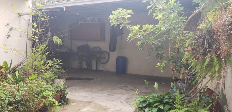 Foto PH en Venta en  Villa Lugano ,  Capital Federal  P.H. al frente, 3 ambientes, Hicken al 2800, Villa Lugano, con garage pasante para varios autos, patio.