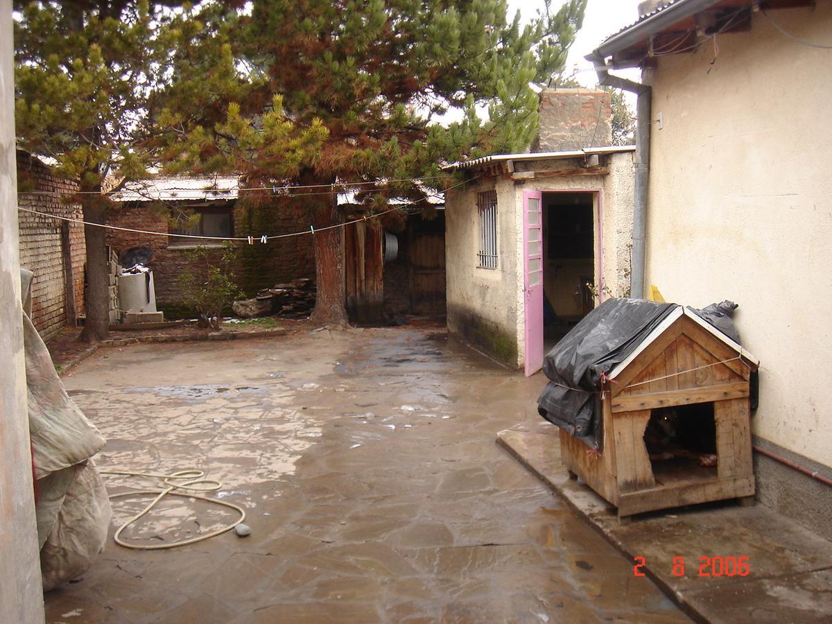 Foto Local en Alquiler en  Esquel,  Futaleufu  Roca al 400