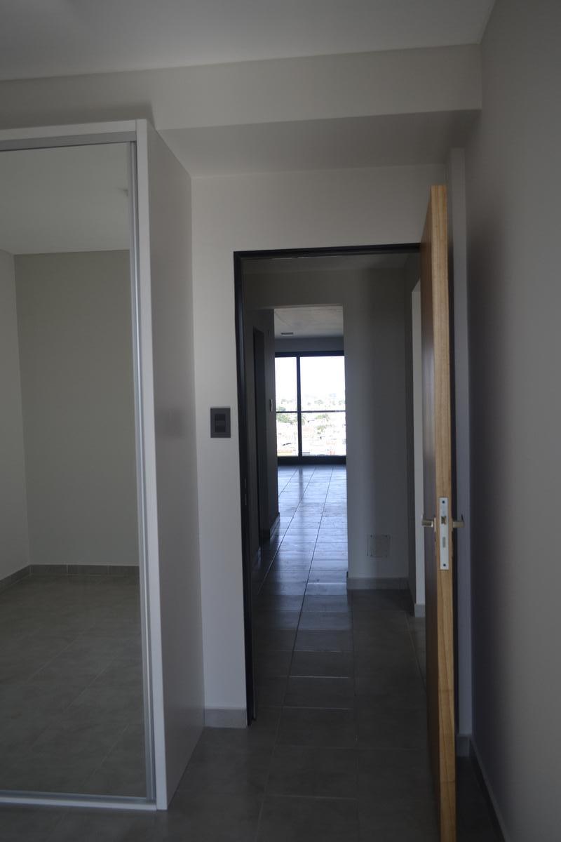 Foto Departamento en Venta en  Santa Fe,  La Capital  En piso alto, 2 dorm., 2 baños, 2 balcones grandes, cocina independiente, estar comedor y  escritorio