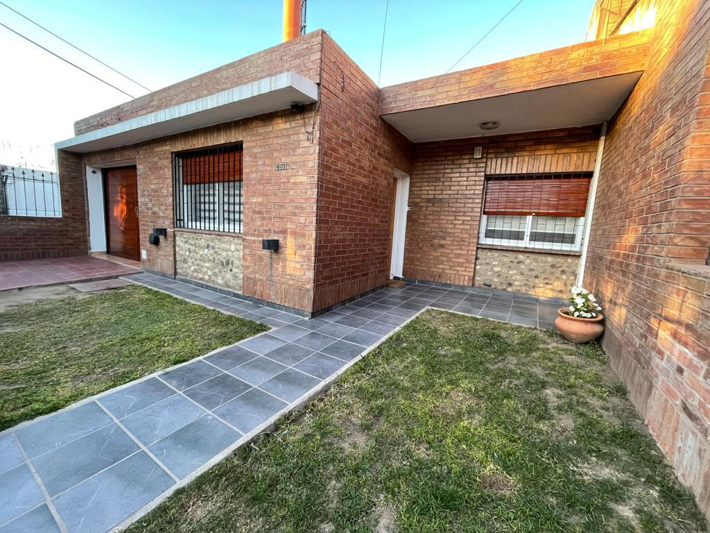 Foto Casa en Venta en  Res.San Carlos,  Cordoba Capital  Caminiaga al 2800
