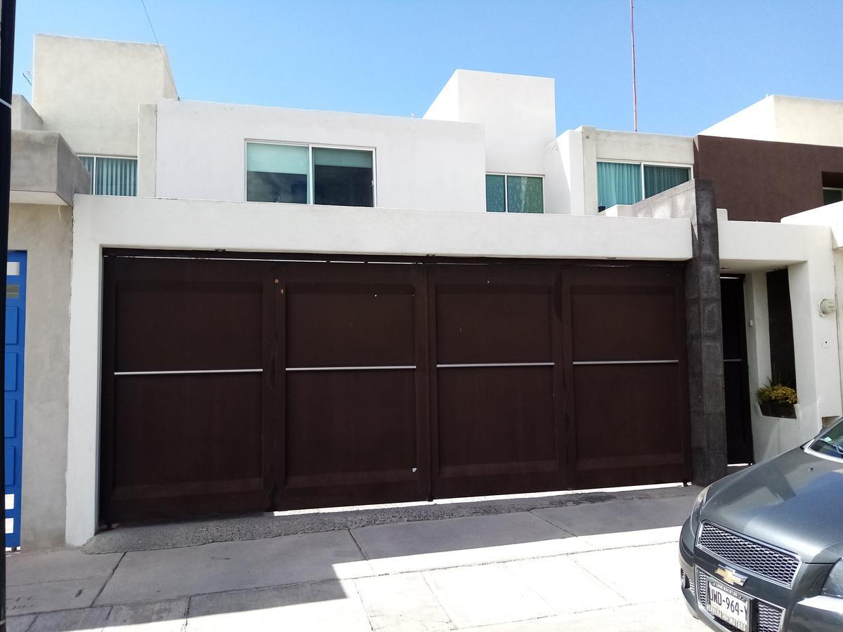 Foto Casa en Venta en  Villa Magna,  San Luis Potosí  Marco Aurelio #235 Vila Magna Primera Sección