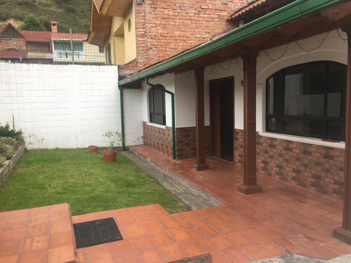 Foto Casa en Alquiler en  Mitad del Mundo,  Quito  SE RENTA CASA PUSUQUI URB DEL ARQUITECTO