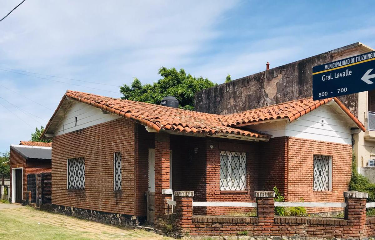 Foto Casa en Alquiler en  Ituzaingó Norte,  Ituzaingó  Juncal al 400