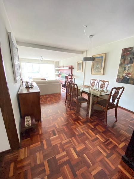 Foto Departamento en Venta en  Pocitos ,  Montevideo  Para Entrar, Tres dormitorios y servicio, vista despejada.