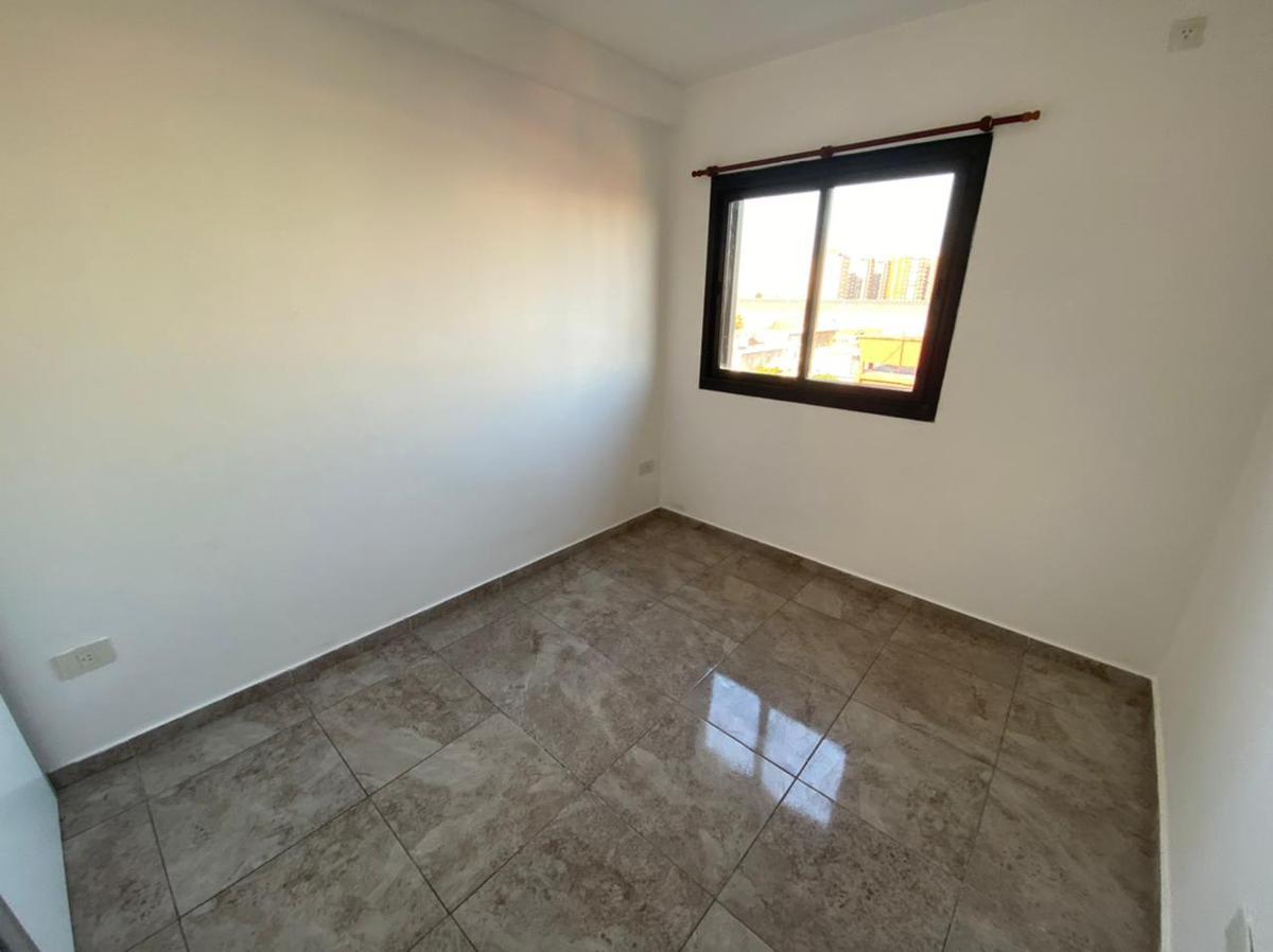 Foto Departamento en Venta en  Sarandi,  Avellaneda  AVENIDA MITRE al 2900