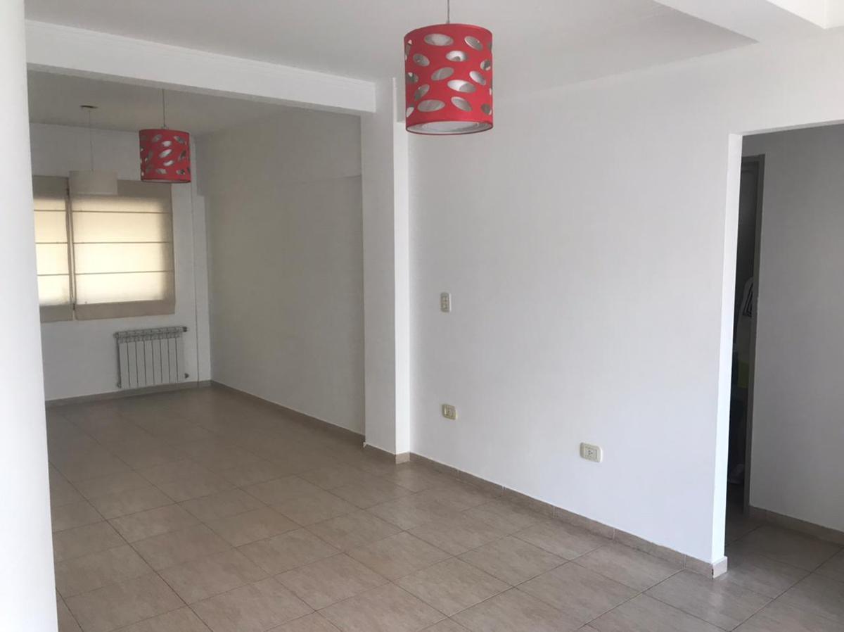 Foto Departamento en Venta en  La Plata ,  G.B.A. Zona Sur  14 y 43