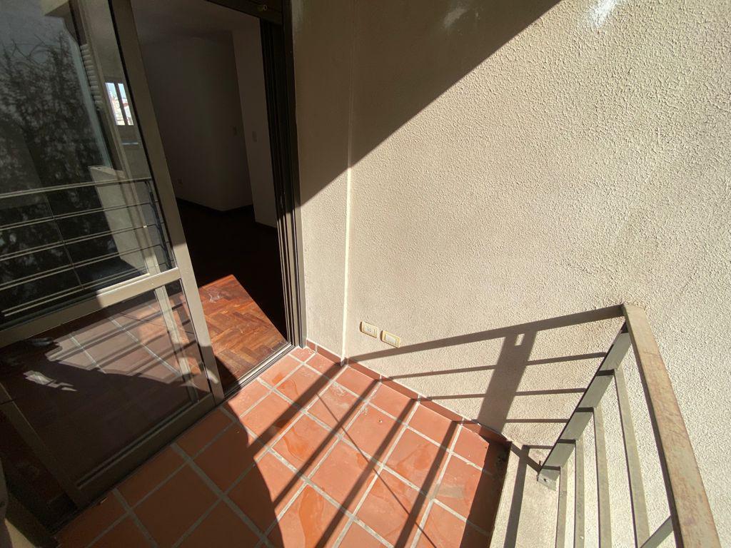 Foto Departamento en Alquiler en  Guemes,  Cordoba Capital  Montevideo al 300