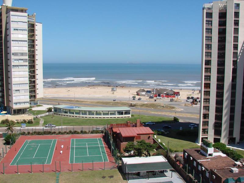 Foto Departamento en Alquiler temporario en  Playa Brava,  Punta del Este  Edificio Scorpio Punta del Este Uruguay