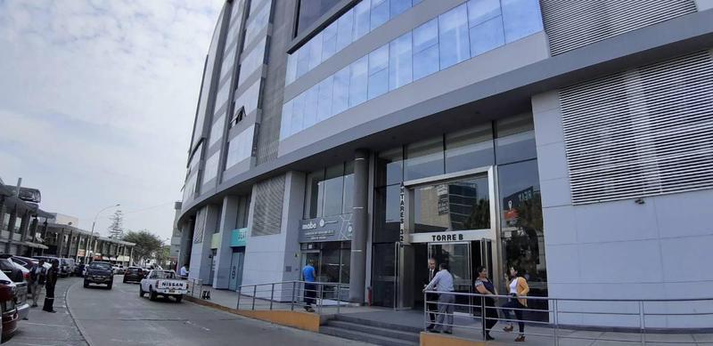 Foto Oficina en Venta en  Santiago de Surco,  Lima  Avenida Los Antares, piso 8