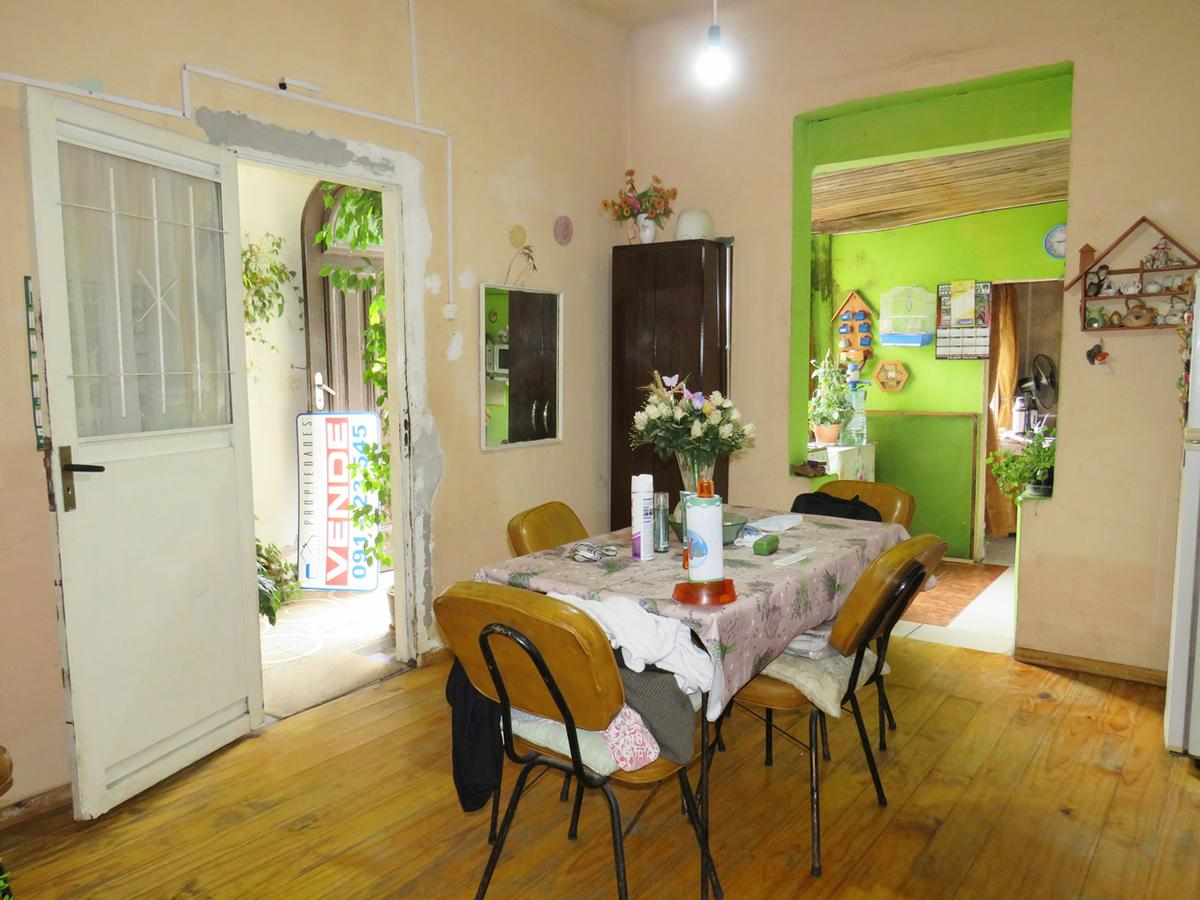 Foto Casa en Venta en  Colón ,  Montevideo  Av Garzón esq Yamandú