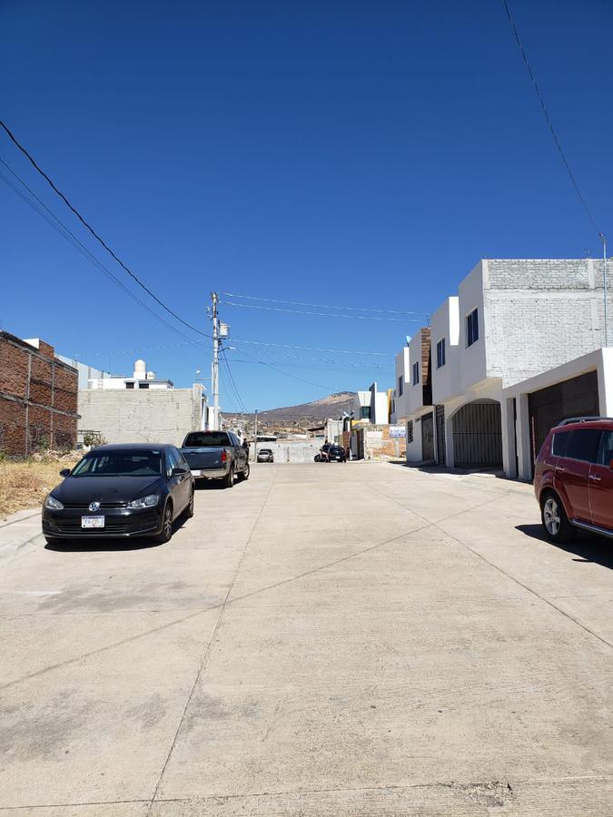 Foto Casa en Venta en  Morelia ,  Michoacán  AV MADERO, FRACC CAMPOS ELISEOS