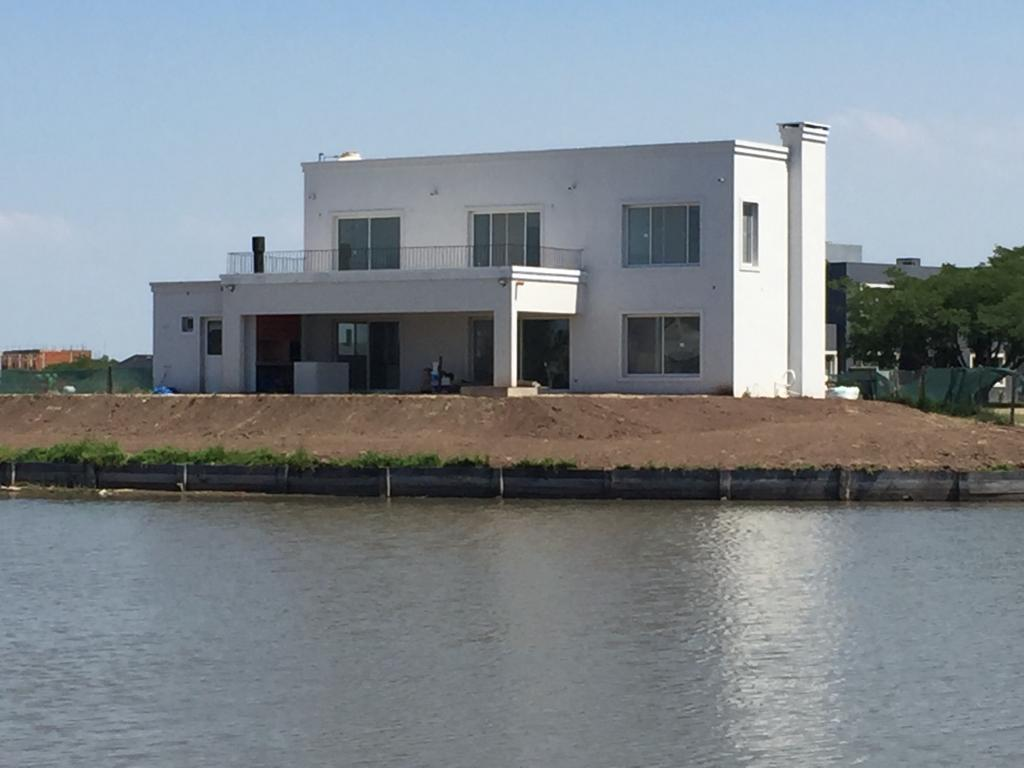 Foto Casa en Venta en  El Canton,  Countries/B.Cerrado (Escobar)          Barrio Islas 8