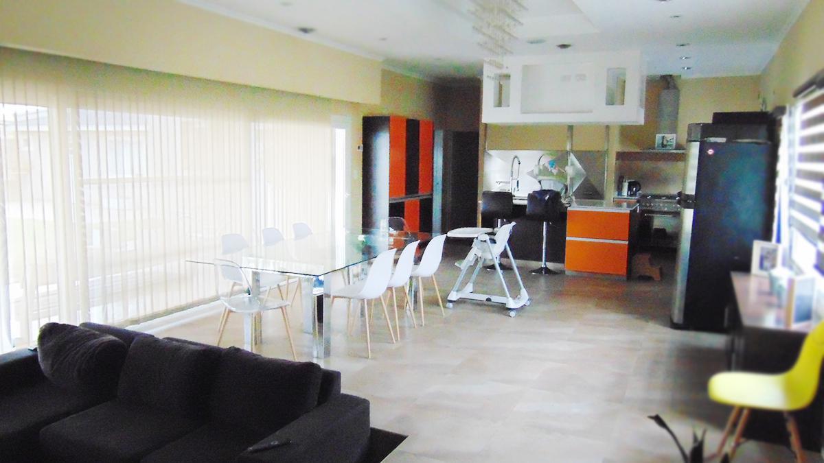Foto Casa en Venta en  General Pico,  Maraco      302 esq. 319