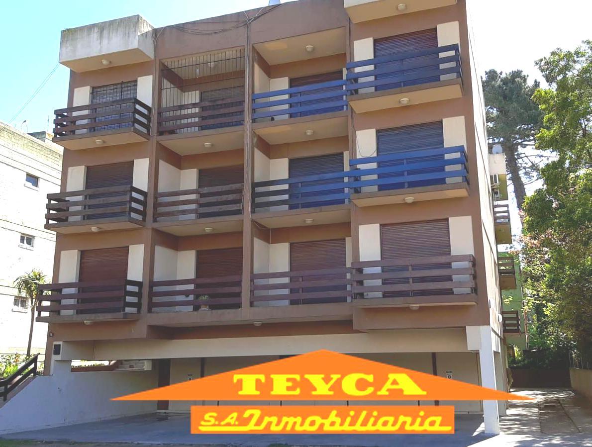Foto Departamento en Venta en  Duplex,  Pinamar  Centauro 372 e/ Medusas y Cazon