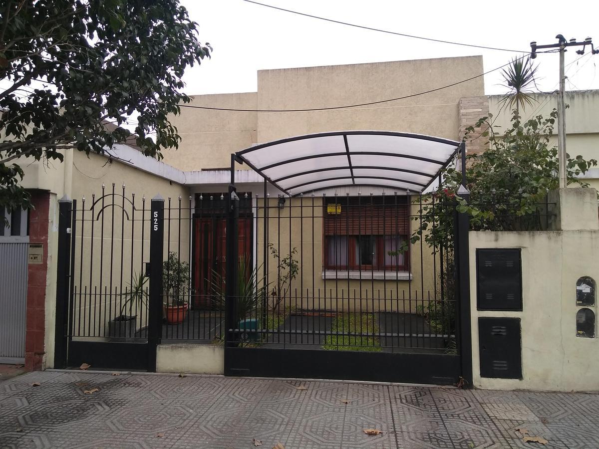 Foto PH en Venta en  Lomas de Zamora Este,  Lomas De Zamora  PEDERNERA al 500