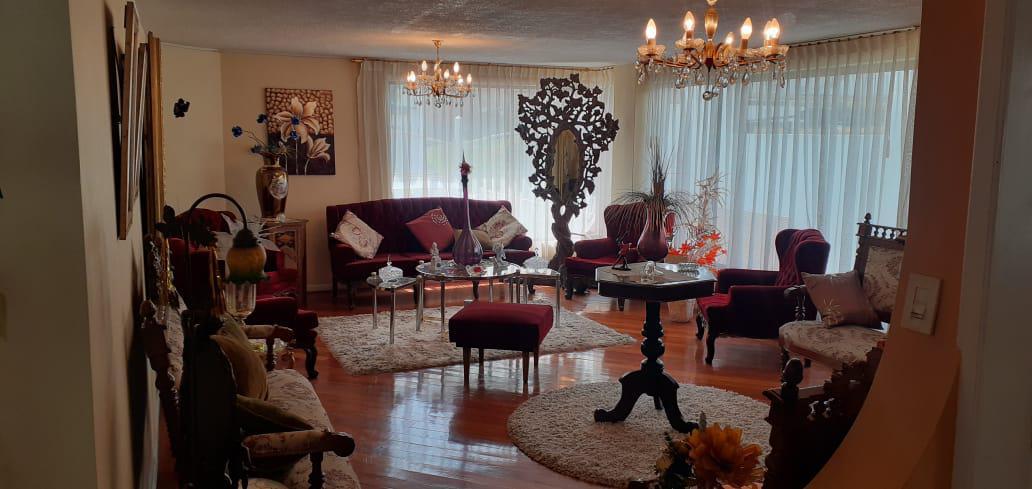 Foto Casa en Alquiler en  El Condado,  Quito  Urbanización El Condado