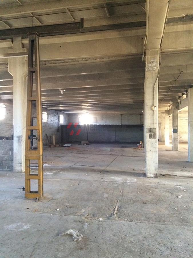 Foto Nave Industrial en Alquiler en  Los Boulevares,  Cordoba  DE LOS GENOVESES al 4800