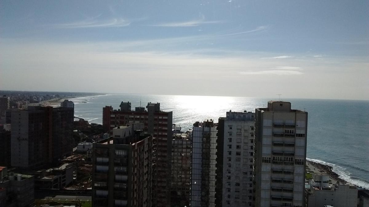 Foto Departamento en Venta en  Centro,  Mar Del Plata  CORRIENTES 1600 • VISTA AL MAR