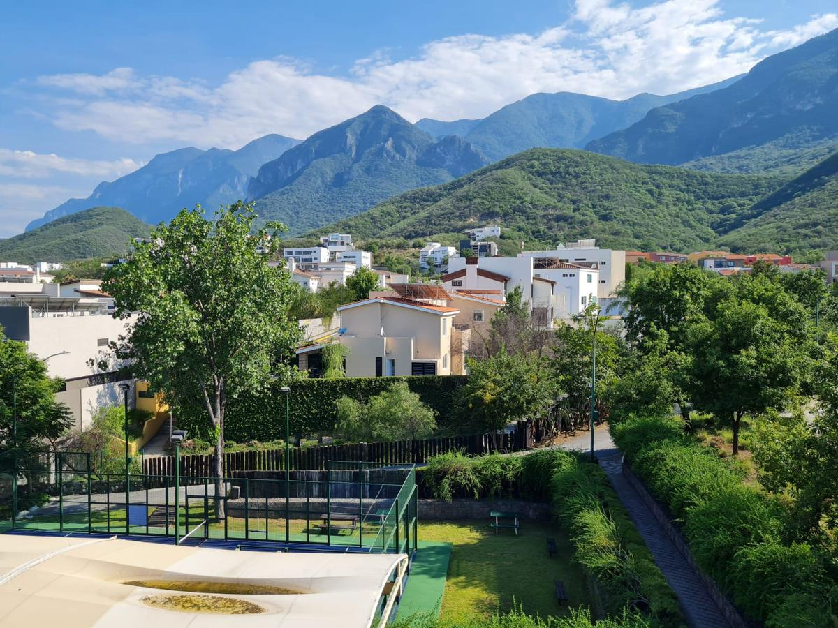 Foto Casa en Venta en  Monterrey ,  Nuevo León  Casa Venta Los Azulejos Carretera Nacional