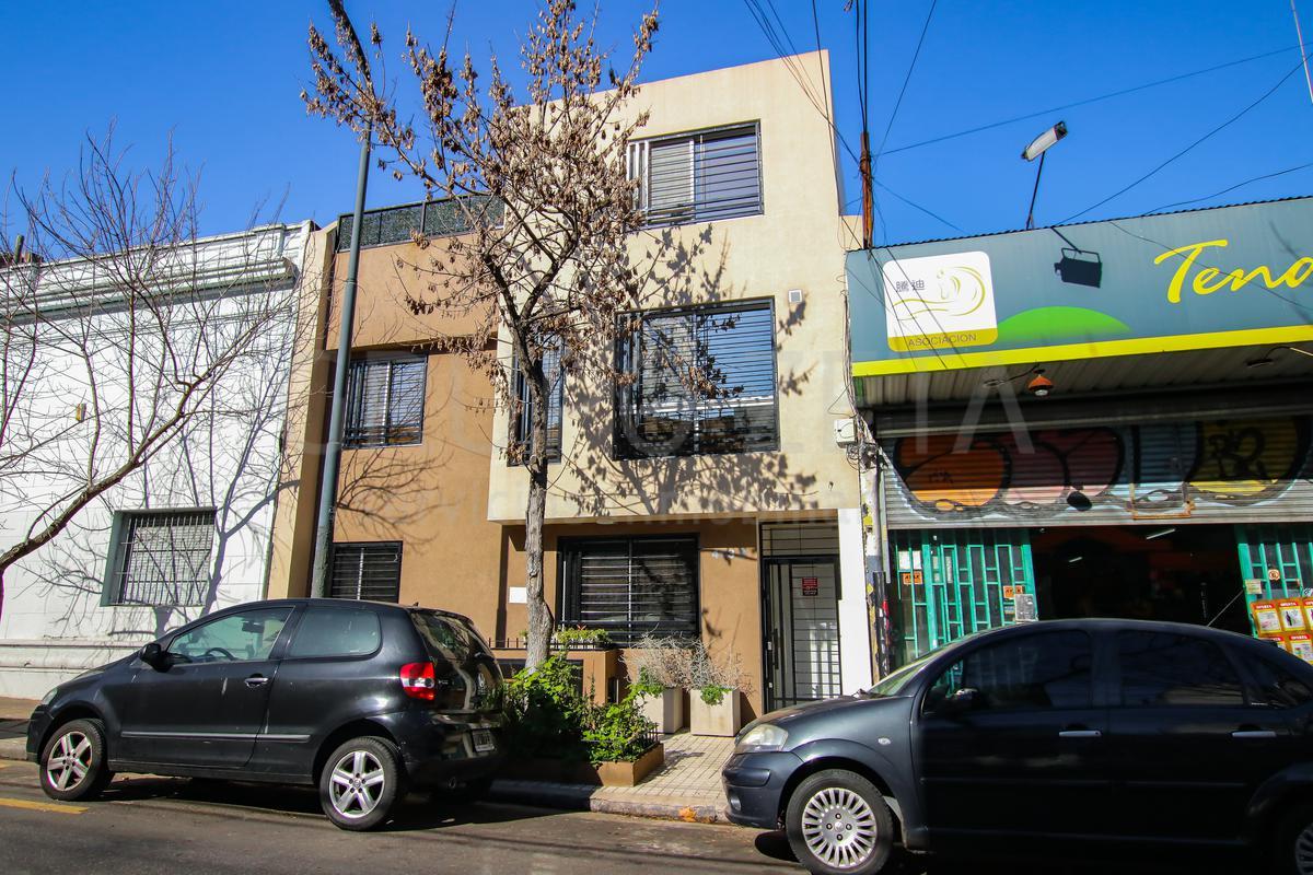 Foto PH en Venta en  Caballito ,  Capital Federal  Av Belgrano al 4100