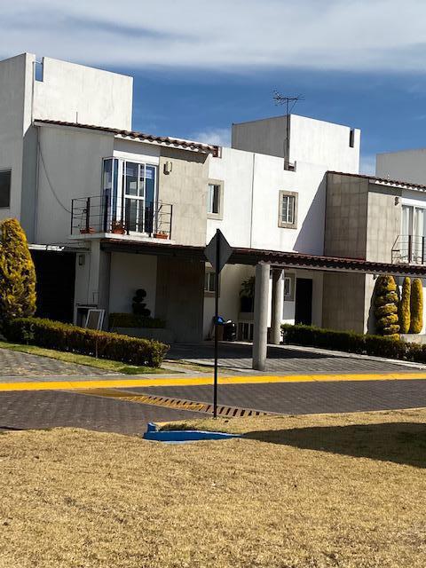 Foto Casa en condominio en Renta en  San Miguel Totocuitlapilco,  Metepec  CASA EN RENTA EN FORESTA, METEPEC