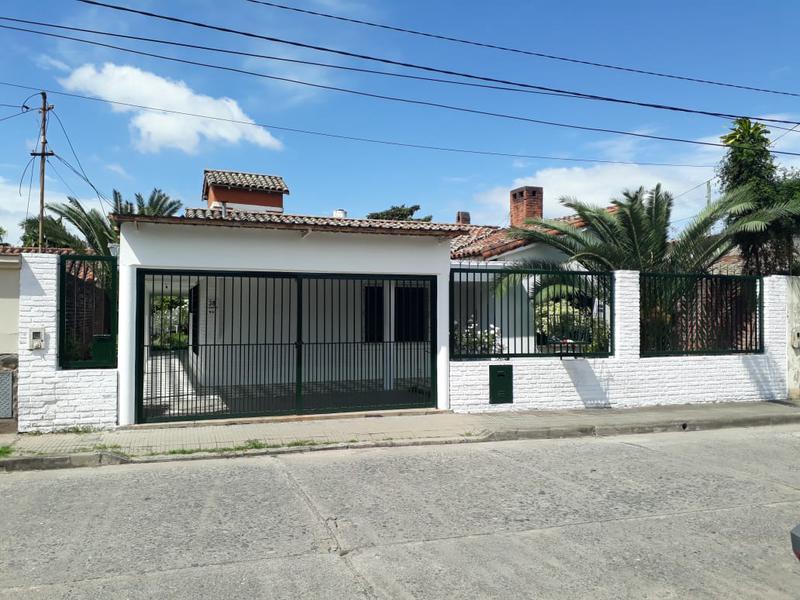 Foto Casa en Alquiler en  San Miguel De Tucumán,  Capital  Gorriti 38
