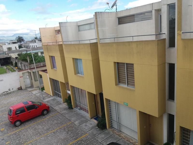 Foto Casa en Venta en  Calderón,  Quito  Calderón, en tres plantas, conjunto, 2 estacionamientos