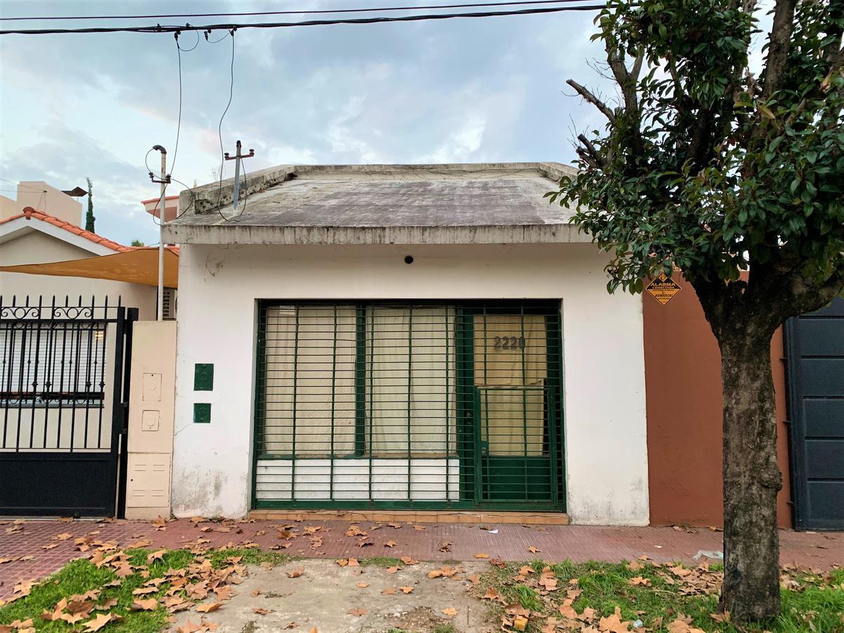 Foto Local en Alquiler en  Alberdi,  Rosario  Maza 2220