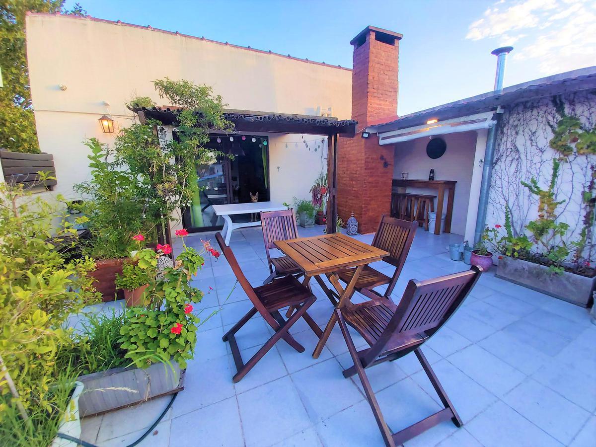 Foto Casa en Venta en  Olivos,  Vicente Lopez  Borges al 2400