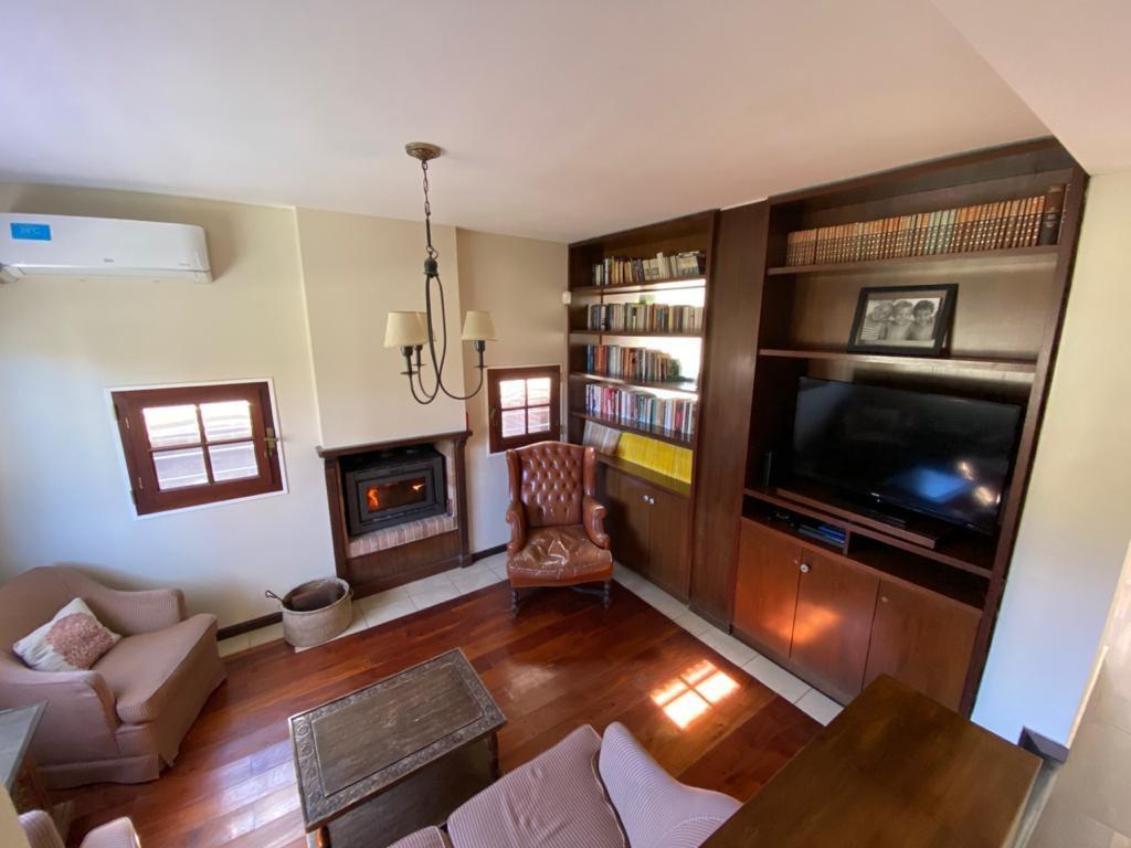 Foto Casa en Venta en  Fisherton,  Rosario  Casa 5 dormitorios en Fisherton - Barrio Cerrado Green Village  - Juan Jose Paso 8745